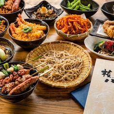 権八人気のメニュー テイクアウトできます! お蕎麦やどんぶりもの、さきいかの天ぷらなどもご自宅で権八気分を味わってください。