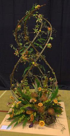 Artist Surrey Nafas Contemporary Flower Arrangements, Creative Flower Arrangements, Flower Arrangement Designs, Flower Centerpieces, Deco Floral, Arte Floral, Flower Show, Flower Art, Flower Festival