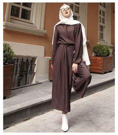Modest Fashion Hijab, Modern Hijab Fashion, Street Hijab Fashion, Hijab Fashion Inspiration, Muslim Fashion, Modest Outfits, Stylish Outfits, Fashion Outfits, Hijab Fashionista