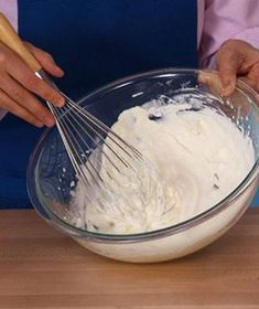 Nothing beats homemade whipped cream, and with the easy steps in this video you'll never have to settle for store-bought again. See how to whip cream quickly.any leftover whipped cream ca (Pour Drink Whipped Cream) Making Whipped Cream, Homemade Whipped Cream, Just Desserts, Delicious Desserts, Dessert Recipes, Awesome Desserts, Yummy Recipes, Recipes With Whipping Cream, Cream Recipes