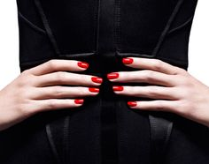 Vernis Givenchy Primavera 2013.  This is RED!