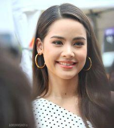 Simply Beautiful, Beautiful Women, Celebs, Celebrities, Beauty Make Up, Pretty Face, Asian Beauty, Cute Girls, Asian Girl