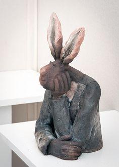 PARNOM CERAMISTE - Recherche Google Pottery Animals, Ceramic Animals, Paper Mache Clay, Ceramic Figures, Moon Art, Animal Sculptures, Ceramic Pottery, Pet Birds, Projects To Try
