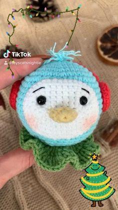 Christmas Tree Baubles, Cozy Christmas, Diy Christmas Gifts, Christmas Decorations, Diy Wall Decor, Diy Bedroom Decor, Nursery Decor, Crochet Dolls, Crochet Baby