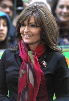 """Sarah Palin Photos - Celebrities smiles for their fans outside the 'Today' Show on April 2012 in New York City, NY. Sarah Palin was guest hosting this morning. - Celebrities Arrive At The """"Today"""" Show Sexy Older Women, Classy Women, Old Women, Beautiful Old Woman, Beautiful Long Hair, Beautiful Body, Sarah Palin Hot, Celebrity Smiles, Taylor Swift Concert"""