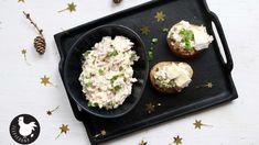 Hermelínová pomazánka patří mezi stálice na obložených mísách s chlebíčky. Dobrý sýr, šunka, vajíčko a cibule, které spojí čerstvý sýr a majonéza. Griddle Pan, Baked Potato, Recipies, Food And Drink, Treats, Fresh, Baking, Ethnic Recipes, Health