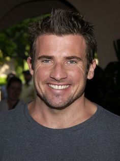 Dominic Purcell - Prison Break LOVE! He looks so different with lots of hair.