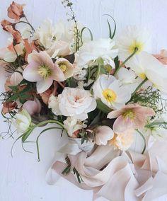 40 ideas flowers bouquet floral arrangements ranunculus for 2019 Spring Wedding Flowers, Floral Wedding, Wedding Colors, Trendy Wedding, Boquette Wedding, Wedding Ideas, Spring Blooms, Bridal Flowers, Ranunculus Wedding Bouquet