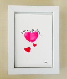 "Lámina dibujada ""Love is all around"""