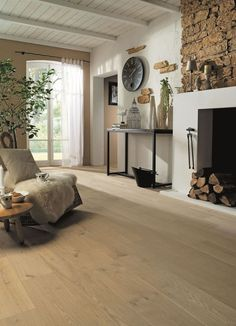 choosing the right floor for the house parquet laminate tiles linoleum - The world's most private search engine Interior Exterior, Interior Design, Roof Ceiling, Wood Parquet, Parquet Tiles, English Country Decor, Country House Interior, Modern Decor, Entryway Tables