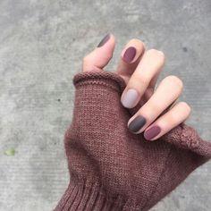 nail polish nails simple 66 unique and beautiful personality nail colors designs 2019 16 Gelish Nails, Matte Nails, Red Nails, Acrylic Nails, Gel Manicure, Gradient Nails, Stiletto Nails, Dark Nude Nails, Burgendy Nails