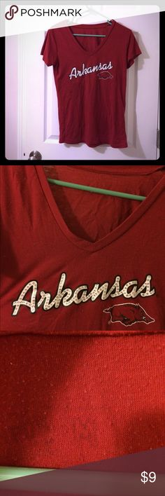 Soft Arkansas t-shirt For the Razorback fans out there! Shirt is soft from years of wear. If you're like me and texture of clothes is important to you, grab this piece! Some pilling, which is reflected in the price. Price is firm; I don't accept offers. No trades. Bundle and save! Tops Tees - Short Sleeve