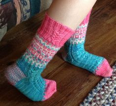 Ravelry: Project Gallery for patterns from BelleDame Knits