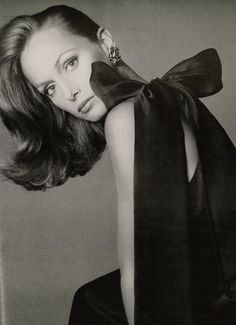 * Karen Graham by Avedon. Famous Face of Estée Lauder for decades. One of the most beautiful women...