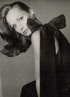 * Karen Graham by Avedon. Famous Face of Estée Lauder for decades. One of the most beautiful women...