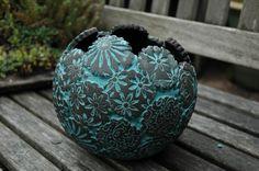 Gartenkeramik-Pflanzkugel-Patchwork-türkis-groß von Kunst-und-Keramik auf DaWanda.com