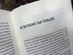 We maken overal een verhaal van, omdat we verlangen naar een zekere eenheid in het leven. De verhalen om ons heen dienen vervolgens als scripts hoe we ons dienen te gedragen. Socioloog Christien Brinkgreve zet in haar nieuwe boek 'Vertel' verhalen in de spotlights. #Boekbespreking: http://verhaallijnen.nl/weblog/2014/07/07/boekbespreking-vertel-van-christien-brinkgreve/