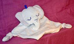 Doudou éléphant endormi Snoopy, Fictional Characters, Art, Softies, Art Background, Kunst, Performing Arts, Fantasy Characters, Art Education Resources