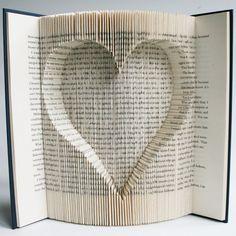 Modèle de pliage du livre avec des découpes coeur inversé: + Free téléchargements imprimables (pdf) pour personnaliser votre livre d'art et tutoriel complet étape par étape