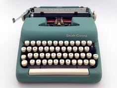 https://www.etsy.com/uk/listing/528029029/vintage-turquoise-blue-green-1950s-smith