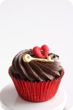 Key To Your Heart Cupcake! The key to ours is Lindt chocolate.
