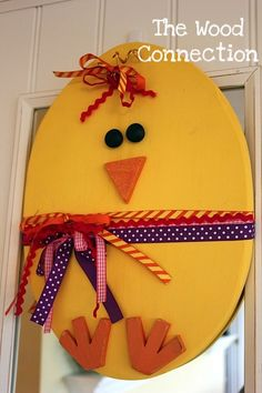 the wood connection: Chick Door Hanger Spring Crafts, Holiday Crafts, Holiday Fun, Preschool Crafts, Easter Crafts, Diy Crafts, Wood Crafts, Hoppy Easter, Easter Eggs