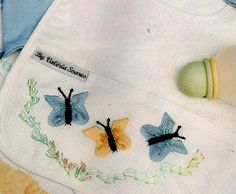 Embroidery Step by Step: EMBROIDERED BUTTERFLY WITH sianinha . Ric rac butterfly 2 of 3