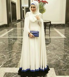 New latest style abaya dress brings versatile glam on them with contrasted hijab. Islamic Fashion, Muslim Fashion, Modest Fashion, Girl Fashion, Fashion Dresses, Fashion Ideas, Hijab Gown, Hijab Dress Party, How To Wear Hijab