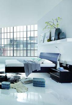 exklusives bett loft dieses bett mit dem passenden nachttisch tritt modern in schwarz auf und - Moderne Nachttische Schwarz