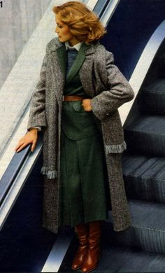 Valley of the Dolls - Winter look Neue Mode, 1978 Source by secondhandnew - Seventies Fashion, Retro Fashion, Vintage Fashion, Womens Fashion, 60s And 70s Fashion, Looks Vintage, Winter Looks, Lookbook, Mode Vintage