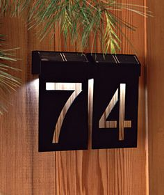 Creative House Number Ideas The Importance of House Numbers Creative House Number Ideas. House numbers are so important and yet they are completely overlooked. Deco Originale, Ideias Diy, Porch Lighting, Lighting Ideas, Plate Design, Signage Design, Solar Lights, Solar Lamp, Home Organization