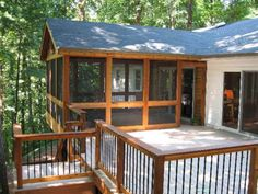 8 Ways To Have More Appealing Screened Porch Deck Wonderful Screened In Porch And Deck Idea 25 Screened Porch Designs, Screened In Deck, Screened Porches, Enclosed Porches, Porch Kits, Porch Ideas, Deck Ideas Cottage, Patio Ideas, Sunroom Ideas