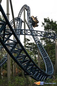 17 36 photo du roller coaster anubis the ride situ Roller adresse