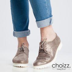 Mooie glimmende veterschoenen voor dames met chunky zool van Choizz Comfort. #shinyshoes