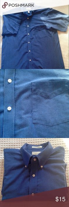 Men's Van Heusen short sleeve blue oxford shirt wrinkle free oxford – half sleeve – size 16 – medium blue – 60% cotton / 40% polyester • happy to bundle men's shirts together for savings • well kept by cautious owner • smoke-free home Van Heusen Shirts Casual Button Down Shirts
