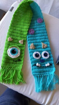 Mike & Sully from Monster's Inc. 33 Etsy Scarves For The Film Buff On Your Christmas List Yarn Projects, Knitting Projects, Crochet Projects, Sewing Projects, Loom Knitting, Knitting Patterns, Crochet Patterns, Scarf Patterns, Crochet Scarves