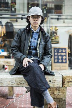 NAME: Hiromichi Yamamoto OCCUPATION: LOFTMAN COOP E-MA SHOP STAFF LOCATION: Umeda, Osaka