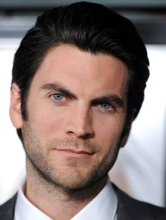 Wes Bentley is beautiful. He reminds me of Jake Gyllenhaal with his piercing blue eyes and sugary voice. Cole Hauser, Handsome Male Models, Charming Man, Hollywood Actor, Attractive Men, American Horror Story, My People, Actors & Actresses, Sexy Men