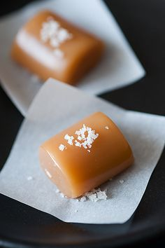 Spoonful: Sweetie sweets take fleur de sel caramels Caramel Recipes, Candy Recipes, Dessert Recipes, Fruit Recipes, Recipes Dinner, Just Desserts, Delicious Desserts, Yummy Food, Yummy Treats