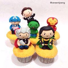 Photo bombing the Avengers, cupcake style!