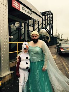 No, it's not Halloween, but we couldn't resist: This dad took his daughter to a London sing-along of Frozen. She wanted to be Olaf, so he wore Elsa's dress — even wearing it on the subway.