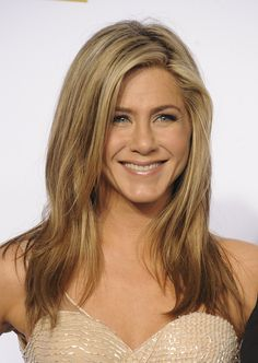 Hair color expert Jennifer Roskey teaches us how to get the perfect bronde, plus lots of celebrity hairspiration.