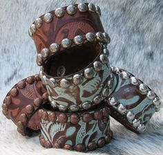 - Leather cuff bracelets, textures and embellishments Leather Art, Leather Cuffs, Leather Earrings, Leather Tooling, Leather Jewelry, Leather And Lace, Metal Jewelry, Geek Jewelry, Gothic Jewelry