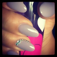 Pointy nails with Cuccio gel polish in Longing for London