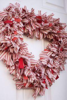 25 Valentine Heart Crafts - Ticking Stripe Fabric Heart Wreath by My Wee Abode Valentine Wreath, Valentines Day Hearts, Valentine Day Crafts, Valentine Decorations, Valentine Ideas, Printable Valentine, Valentine Box, Fabric Wreath, Diy Wreath
