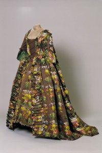 Robe à la française - Musée des Tissus de Lyon - photo Pierre Verrier