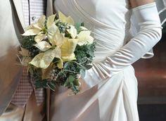 ブーケと教会の装花 ポインセチア 冬の薔薇 カトリック目黒教会様への画像:一会 ウエディングの花