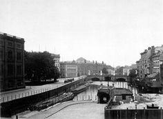 1887 Berlin - Blick von der Schleusenbrücke zur Schloßbrücke (Foto: Friedrich Albert Schwartz).