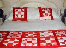 Cubrecamas, pieceras y conjuntos trabajadas en patchworks. Patchwork Table Runner, Sewing Projects, Projects To Try, Bed Runner, Quilt Bedding, Quilt Top, Bed Covers, Bed Sheets, Quilt Patterns