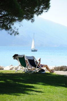 An afternoon daydream: Take a beachside seat under endless blue skies Riva Del Garda, Italian Phrases, Lake Garda, Lake Como, Sweet Life, Daydream, Moodboard, How To Memorize Things, Italy